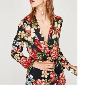 GORGEOUS NWT ZARA Floral Print Blazer